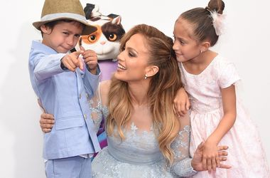 Дженнифер Лопес отметила день рождения близнецов (фото)