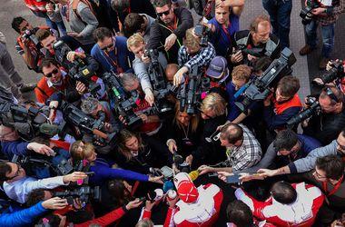 Феттель показал лучшее время во второй день тестов Формулы-1 в Барселоне