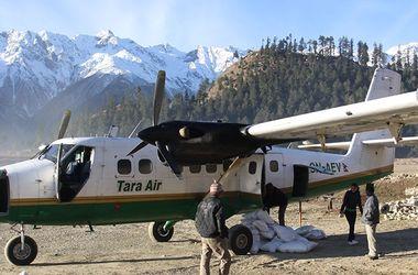 На месте крушения самолета в Непале найдены тела 17 человек