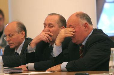 Украинских чиновников научат этике поведения