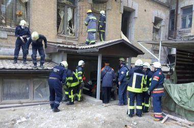 Обвал дома в центре Киева: прямая трансляция с места ЧП