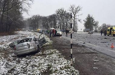 Смертельного ДТП во Львовской области: погиб экс-регионал, а авто нашли валюту