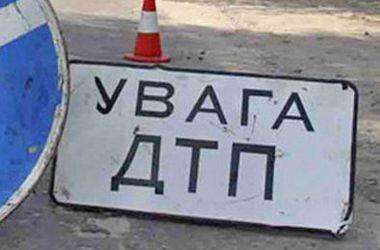 В Киеве автобус столкнулся с фурой, есть пострадавшие