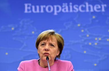 Меркель призывает бизнес к терпению в вопросе санкций в отношении России