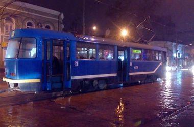Из-за скачка напряжения в Одессе загорелся трамвай