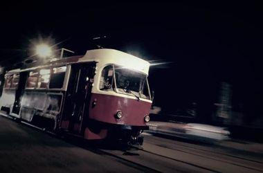 20-летняя девушка попала под трамвай в Виннице