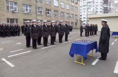 В Одессе выпустились курсанты, которые пели гимн Украины во время захвата академии в Крыму