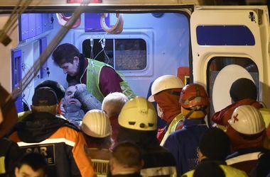 Количество погибших под завалами дома в центре Киеве растет