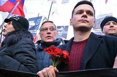 Годовщина убийства Немцова: сорванные марши и задержанные участники
