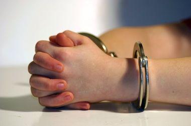 В США школьниц арестовали за отравление преподавателя