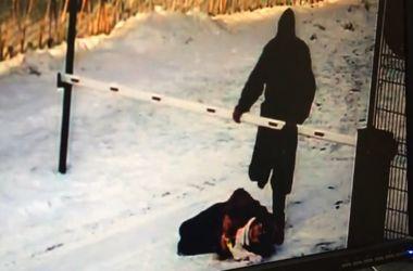 В России мужчина жестоко избил 12-летнюю школьницу