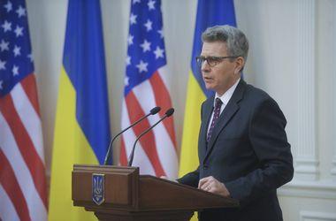 Россия должна выполнять Минские соглашения - посол США Пайетт