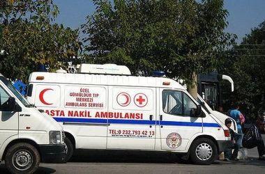 Туристический автобус перевернулся в Анталье, есть раненые