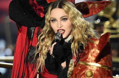 Мадонна потребовала, чтобы суд выдал ордер на арест ее бывшего мужа