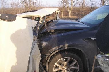 Смертельное ДТП на трассе под Одессой: в ВАЗ влетел BMW X6