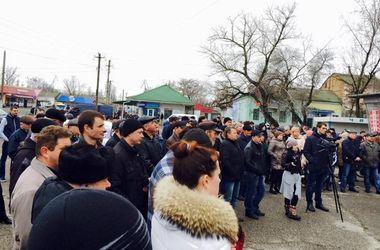 """Терпению конец: в Одесской области люди вышли на митинг против """"убитых"""" дорог"""
