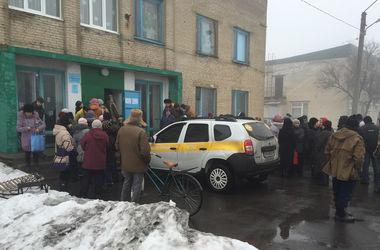 Более 2900 жителей Тельмановского района получили гуманитарную помощь