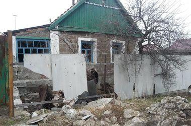 В Авдеевке в результате обстрела боевиков разрушены жилые дома