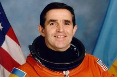 Киеврада выделила первому украинскому космонавту 10 соток земли