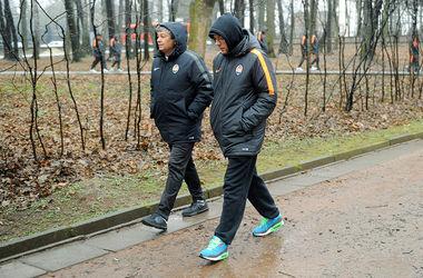 "Игроки ""Шахтера"" прогулялись по Львову и не отказали полиции в фото"