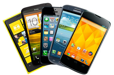 Поставки смартфонов в Украину резко сократились