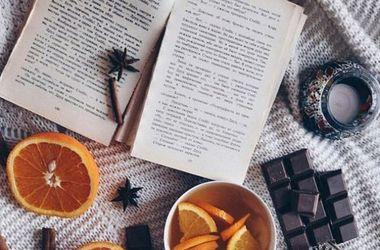 <p>Читайте книги українською мовою. Фото:instagram/john.lonergan</p>