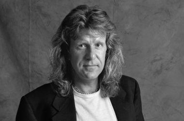Известный рок-музыкант выстрелил себе в голову