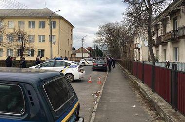 В Мукачево возле школы произошла стрельба: есть раненый