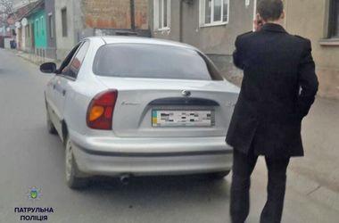 В Мукачево патрульные задержали пьяного прокурора за рулем