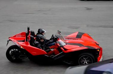 На улицах Киева заметили уникальный трехколесный спорткар