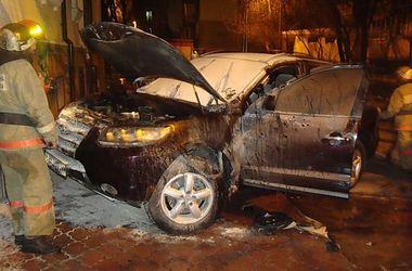 В Киеве за сутки сгорели две машины