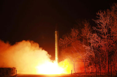 КНДР вновь запустила баллистическую ракету