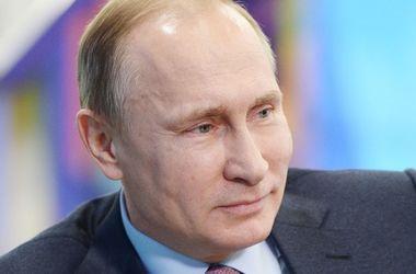 Путин прилетел в оккупированный Крым