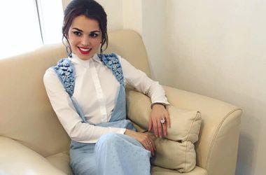 Сати Казанова осталась без одежды перед концертом