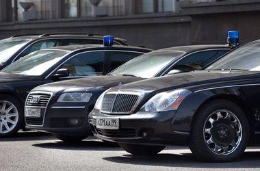 Российским чиновникам запретили покупать мощные автомобили