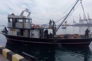 """В Одессе задержали """"заблудившееся"""" турецкое судно"""
