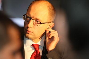 Яценюк увидел падение цен в Украине
