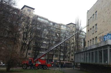 Подробности пожара в школе-интернате Киева: спасли двоих мальчиков и преподавателя, которая получила ожоги