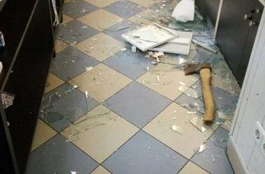 Под Киевом грабители в масках обчистили ювелирный магазин