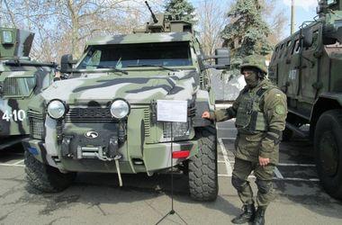 В Одессе Нацгвардия похвасталась военной техникой и оружием