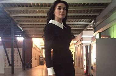 44-летняя Анастасия Заворотнюк пришла на шоу в прозрачной блузке (фото)