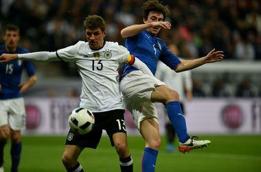 Соперник сборной Украины на Евро-2016 Германия разгромила итальянцев 4:1