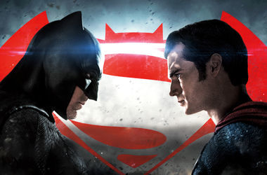 """Бэтмен против Супермена"" установил антирекорд в прокате"