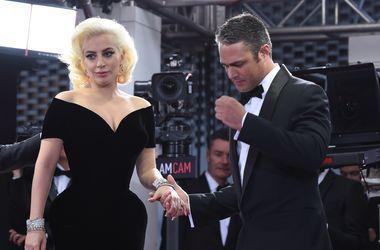Леди Гага тайно вышла замуж - СМИ