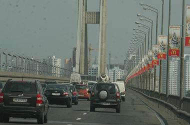 В Киеве временно ограничат движение по Южному мосту