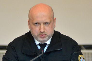Обнародована декларация Турчинова: без машины и жилья