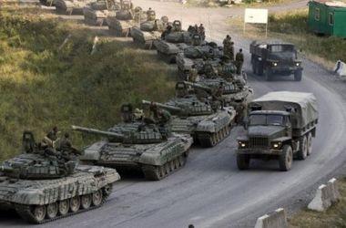 В Луганск прибыли 15 танков и 7 грузовиков с боеприпасами