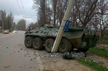 В Крыму российский БТР устроил ДТП