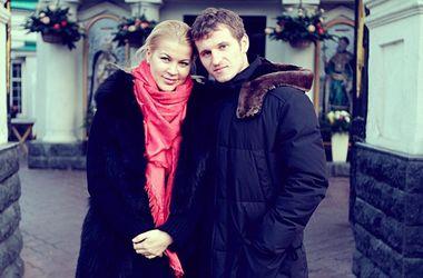Жена Александра Алиева обвинила мужа в избиении ее и сына, а также в попытке подкупа полицейских