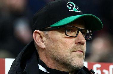 Аутсайдер чемпионата Германии уволил главного тренера